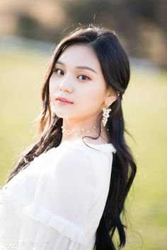 Photo album containing 10 pictures of Umji Kpop Girl Groups, Korean Girl Groups, Kpop Girls, Extended Play, Sunrise Music, Girl Group Pictures, Gfriend Album, Kim Ye Won, Cloud Dancer