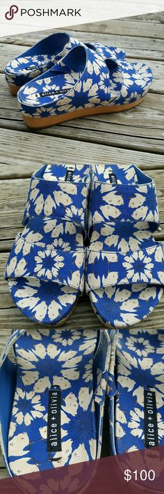 Alice + Olivia blue floral clogs sandals New without box-have been tried on in the store Alice + Olivia Shoes Sandals