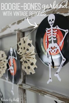 Boogie-Bones Garland With Vintage Records - House by Hoff