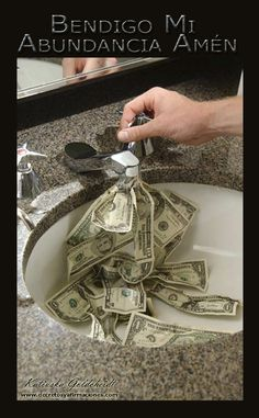 Afirma: El Amor Divino a través de mí  Bendice todo el Dinero que recibo, el dinero que doy y el Dinero que gasto para que se...sigue LEYENDO haciendo CLIC en la FOTO