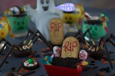 5 ideas para Halloween que sorprenderán Recetas Halloween, Ideas Para, Birthday Cake, Treats, Desserts, Food, Halloween Night, Oreo Cookies, Candy Stations