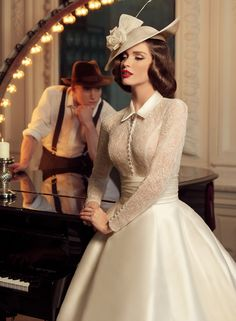 Tatiana Kaplun bridal collection 2015 presents the Jazz Sounds line as one of the bridal dresses ranges from the Russian designer. Vestidos Vintage, Vintage Dresses, Vintage Outfits, Vintage Fashion, Tea Dresses, Dresses 2016, 1960s Dresses, Classy Fashion, Petite Fashion