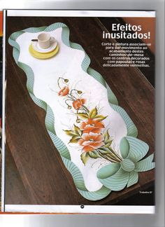 PINTURA EM TECIDO EMBORRACHADO Nº 47 - Fatima Nega - Álbuns da web do Picasa Stencil Designs, Paint Designs, Acrilic Paintings, Quilted Table Toppers, Table Runner And Placemats, Arts And Crafts, Diy Crafts, Unique Purses, Fabric Painting
