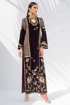 Show details for Zardoze worked velvet shirt Pakistani Formal Dresses, Pakistani Outfits, Indian Dresses, Indian Outfits, Eastern Dresses, Moda Formal, Embroidery Suits, Embroidery Designs, Hand Embroidery