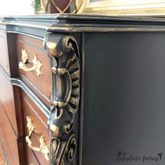 Repurposed furniture Gray - Antique Walnut and Queenstown Gray Dresser Chalk Paint Furniture, Ikea Furniture, Colorful Furniture, Repurposed Furniture, Furniture Makeover, Furniture Ideas, Grey Dresser, Painted Boards, Diy Painting