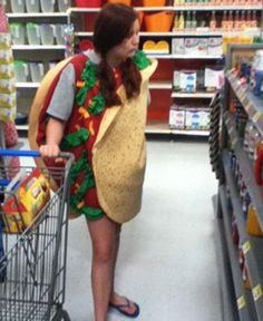 Here is awesome photo collection of funny people that grace us with their presence at Wal-Mart. Don't miss funny people of Walmart. lol - Page 19 of 30 People Of Walmart, Go To Walmart, Only At Walmart, Walmart Stuff, Walmart Humor, Walmart Shoppers, Walmart Customers, Funny People Pictures, Funny Images
