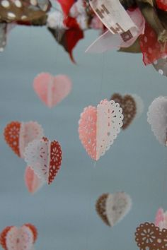 DIY Tutorial: Closeup of Valentine / Heart Mobile Craft, Image 2 of 2