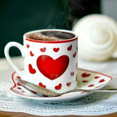 ♥ Love is Hot Chocolate in a Heart Mug & Plate ♥ I Love Coffee, My Coffee, Coffee Mugs, Coffee Heart, Good Morning Coffee, Coffee Break, Desayuno Romantico Ideas, Momento Cafe, Art Cafe