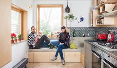 How to create the perfect extension and avoid planning fees: transforming a Victorian terrace house on a budget Victorian Windows, Victorian Terrace House, Kitchen Storage Bench, Kitchen Benches, Kitchens And Bedrooms, Home Kitchens, Building Extension, Side Extension, Plywood Kitchen