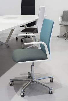 bi-color for Arper's Kinesit office chair