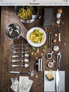 Revista Living marzo 2016 fotos Santiago Ciuffo Estilismo Ana Markarian Table Settings, Gourmet, March, Saint James, Journals, Pictures, Table Top Decorations, Place Settings, Tablescapes