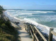 Love, love, love the beach!  THAT'S beautiful!