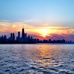 Take a lovely #sunset cruise on Lake Michigan in Chicago.    Photo courtesy of zilly4really on Instagram.