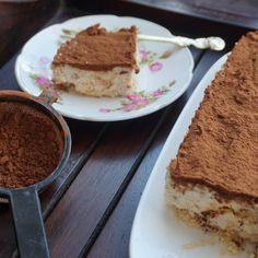 instagram Meringue, Tiramisu, Ethnic Recipes, Desserts, Instagram, Food, Merengue, Tailgate Desserts, Deserts