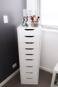 Alex 9 drawers IKEA Drawer unit with 9 drawers White: storage-furniture / drawer-units-storage-cabinets High unit with many drawers means plenty of storage on a minimum of floor space. Alex Drawer Organization, Makeup Organization Ikea, Organization Ideas, Makeup Storage Drawers, Makeup Storage Bedroom, Storage Ideas, Hair Product Organization, Ikea Bedroom Storage, Makeup Room Decor