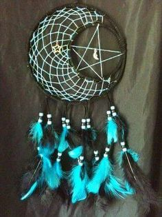 Black and Blue Moon and Star Dream Catcher Fun Crafts, Diy And Crafts, Arts And Crafts, Los Dreamcatchers, Moon Dreamcatcher, Craft Projects, Projects To Try, Blue Moon, Dark Moon