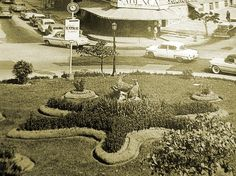 La forma d estrella en el centro de la plza, se grabó en la tradición d los caraqueños, quienes aún se refieren como: La Plaza la Estrella