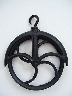 "ANTIQUE RUSTIC CAST IRON 10"" WELL PULLEY DIRECT FROM THE FARM!"