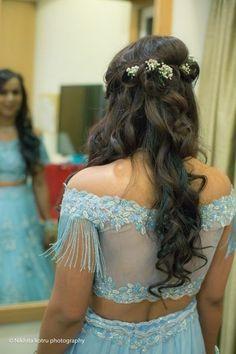 Photo from Jyotsna & Palash (Delhi) Wedding Hairstyles For Gowns, Open Hairstyles, Bride Hairstyles, Hairstyle With Gown, Lehenga Hairstyles, Engagement Hairstyles, Engagement Dresses, South Indian Bride, Indian Bridal