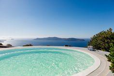 Jacuzzi @ Pantheon Villas Santorini Greece