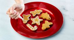Bolachas de gengibre em 10 passos Birthday Candles, Birthday Cake, Second Breakfast, Xmas, Merry Christmas, Bread Cake, Christmas Treats, Gingerbread Cookies, Cookie Cutters