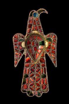 Eagle brooch from Alovera, Campiña de Guadalajara (comarca), Guadalajara, Spain. 6th century AD, from the Museo Arqueológico Nacional.