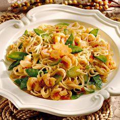 Shrimp Lo Mein | via Better Homes and Gardens