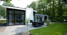 The Cube Max: a bright, modern home at the Droompark Spaarnwoude resort.