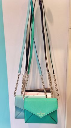 Love this idea get one hook for many over the shoulder bags and the bags are just so great for spring!!!!