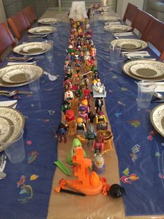 Amazing Seder Table!  Love the mixed multitude :)