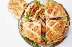 Een supersnel broodje kip voor wie van pittig houdt - Recept - Allerhande