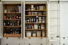 // 5 Links to Read Before Organizing Your Kitchen