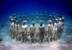 Definitely a wish list museum! (Located in the beautiful crystal waters surrounding Cancun and Isla Mujeres in Mexico, the stunning underwater museum – Museo Subacuatico de Arte alias MUSA is among the most unusual scuba diving sites in the world. Under The Water, Under The Sea, Underwater Sculpture, Underwater Art, Underwater Photography, Underwater Museum Mexico, Sculpture Museum, Sculpture Garden, Art Museum