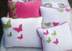 Almohadones para chicos y grandes en Gabardina y Pana relleno de vellón Sewing Pillows, Diy Pillows, Throw Cushions, Decorative Pillows, White Cushion Covers, Cushion Cover Designs, Designer Bed Sheets, Cushion Embroidery, Ring Bearer Pillows