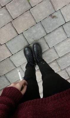 As much as i love this awkward half season summer//fall thing, i cant wait for winter for sweaters and boots