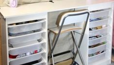 Create this EASY Ikea craft table hack, made out of Ikea storage shelves! If your're a crafter and want your own organized craft space, you'll love this one Ikea Storage Shelves, Craft Storage Cart, Craft Storage Solutions, Yarn Storage, Bench With Storage, Diy Storage, Storage Ideas, Storage Hacks, Craft Organization