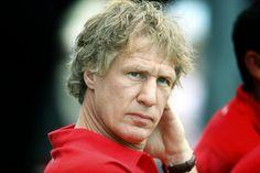 Gertjan Verbeek - Oud speler, assistent en hoofdtrainer van sc Heerenveen. Nuchter, eigenzinnig en een gigantische inzet voor sc Heerenveen. Onaangepast, vernieuwend en goed voetbal.