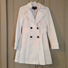 I just discovered this while shopping on Poshmark: White Trench Coat. Check it out! Price: $25 Size: S