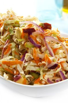 Apple Cole Slaw, added 2 Tbl of white vinegar and Tbl of stone ground mustard to sauce - over pulled pork Salad Bar, Side Salad, Soup And Salad, Real Food Recipes, Cooking Recipes, Healthy Recipes, Apple Coleslaw, Tailgating Recipes, Slaw Recipes
