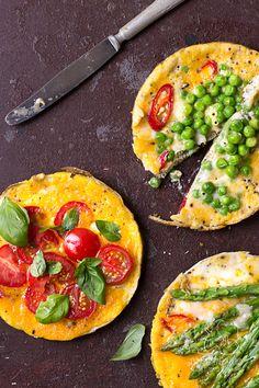 Frittata śniadaniowa / przepis z bloga Chilli, Czosnek i Oliwa Breakfast Frittata, Nigella, Vegetable Pizza, Breakfast Recipes, Garlic, Lunch Box, Tasty, Chilli, Fitness