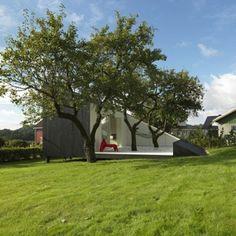まるで一つのアートのような、三角形の家「Slice」 | 未来住まい方会議 by YADOKARI | ミニマルライフ/多拠点居住/スモールハウス/モバイルハウスから「これからの豊かさ」を考え実践する為のメディア。