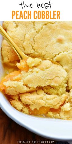 This Best Peach Cobbler recipe is absolutely delicious and made with fresh ingre. - This Best Peach Cobbler recipe is absolutely delicious and made with fresh ingredients. Good Peach Cobbler Recipe, Best Peach Cobbler, Peach Cobbler Cake, Homemade Peach Cobbler, Simple Peach Cobbler, Southern Peach Cobbler, Nectarine Cobbler, Peach Dessert Recipe, Desert Recipes