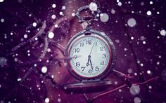 Pocket watch in the snowflakes - 3D macro wallpaper - Free Image Download - High Resolution Wallpaper