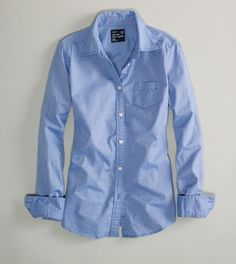 American Eagle Favorite Shirt in BLue $29.99. Perfect to go over my white vs dress that is too thin of a material.