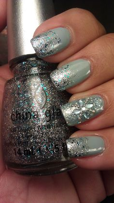 Winter Nails, cute idea...wanna try this one without the bling accent