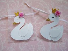 33 Ideas baby shower gifts for guests party favors first birthdays Distintivos Baby Shower, Baby Shower Cakes, Princess Cake Toppers, Birthday Cake Toppers, Cake Birthday, Baby Shower Favours For Guests, Gold First Birthday, Princess Birthday, Pink Princess