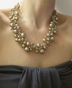 Champagne Pearly Girly Necklace