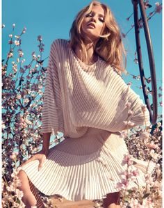 One of my most favorite photographers, Camilla Akrans shot the new Spring 2013 ad campaign for Italian brand Blumarine. Anna Selezneva for Blumarine Model Anna Selezneva stars in this romantic venture into flowy maxi dresses,… Fashion Poses, Fashion Shoot, Editorial Fashion, Anna Selezneva, Foto Fashion, High Fashion, Fashion Beauty, Asos Fashion, Couture Fashion
