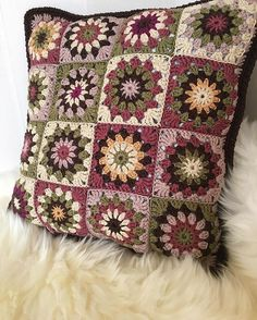 Cosy cushion cover finished