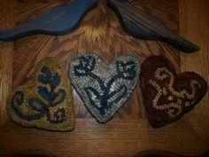 "My Hooked Rug ""Stoneware Hearts""    Hooked on Primitives"